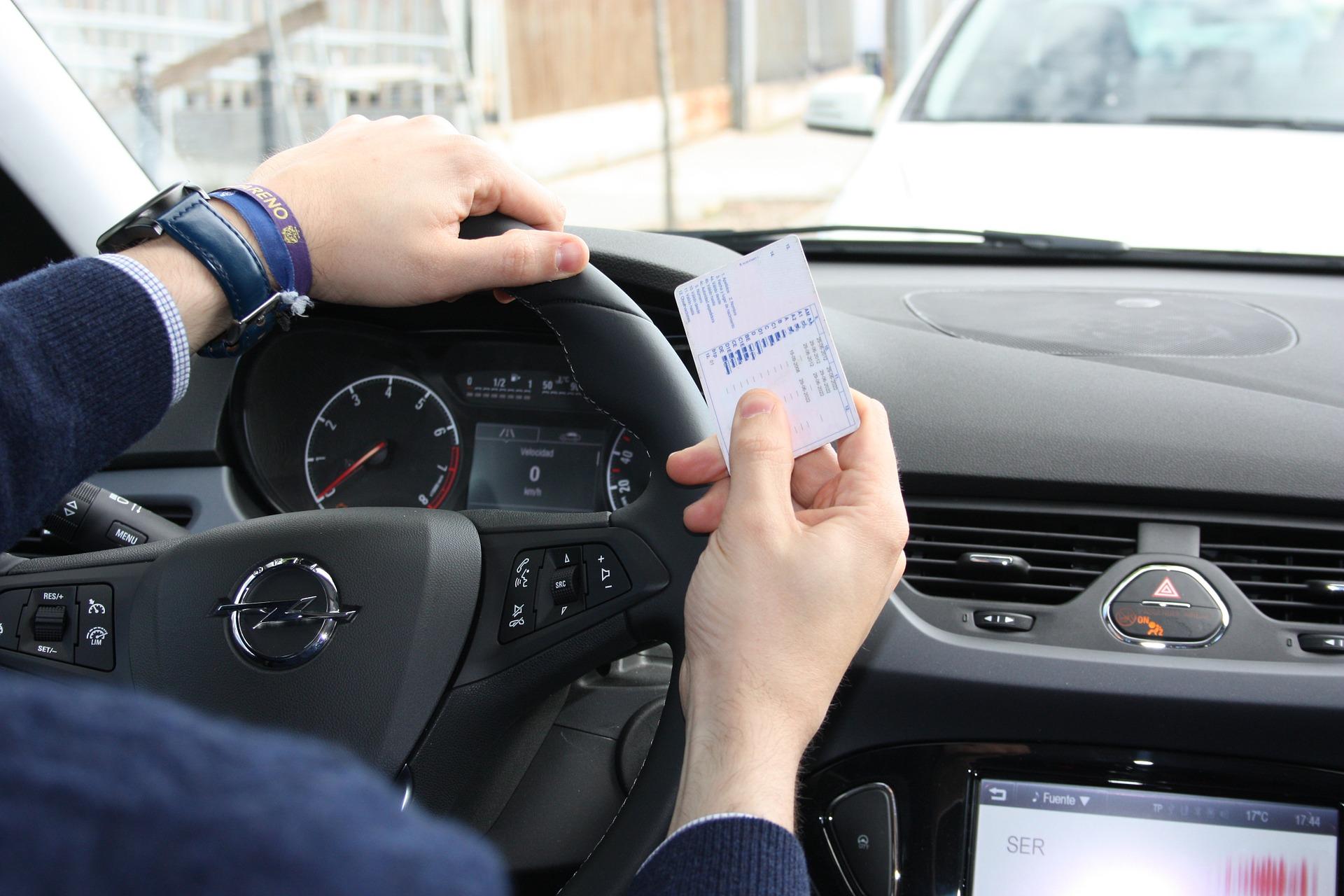 faltas graves examen conducir