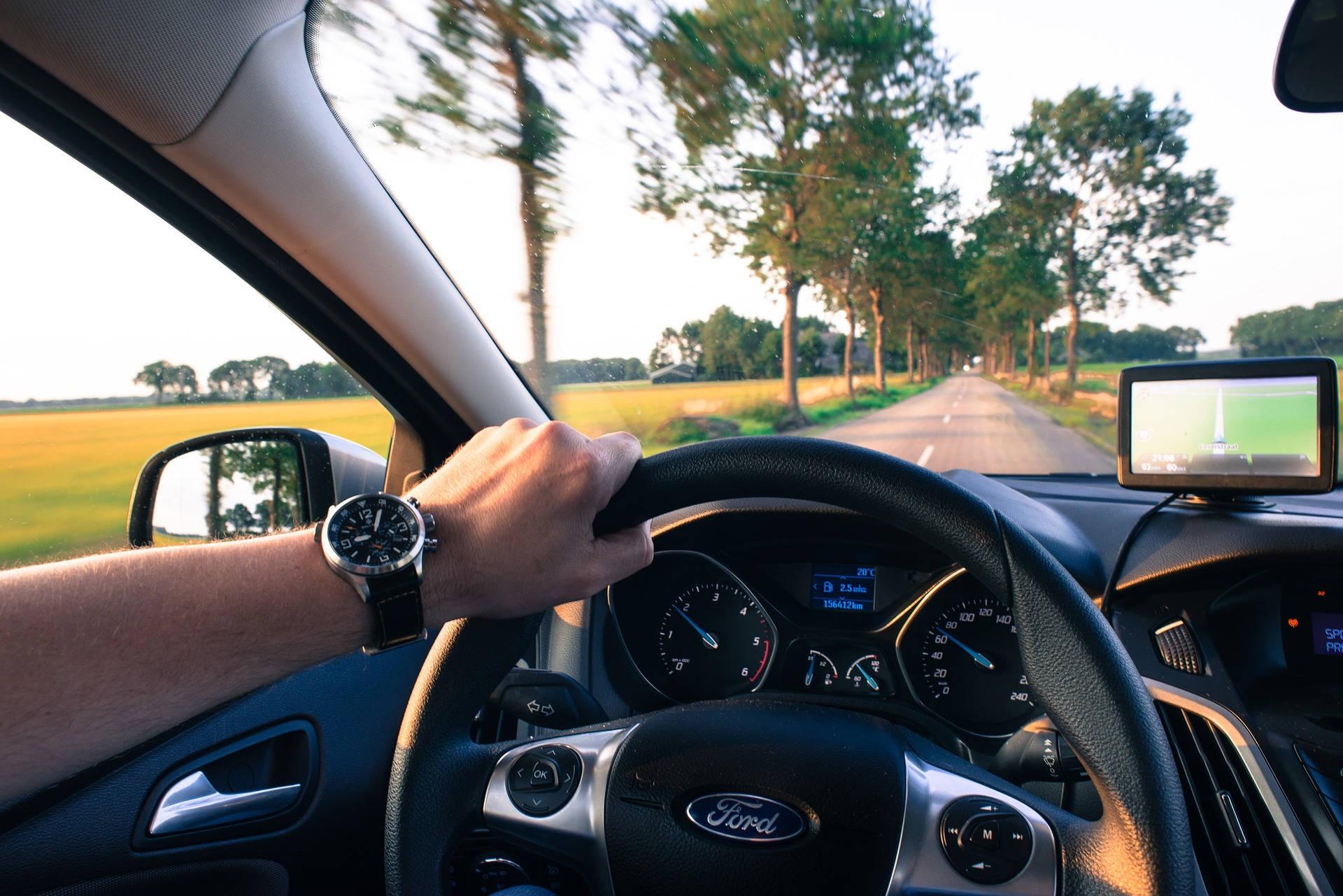consejos para evitar distracciones al volante