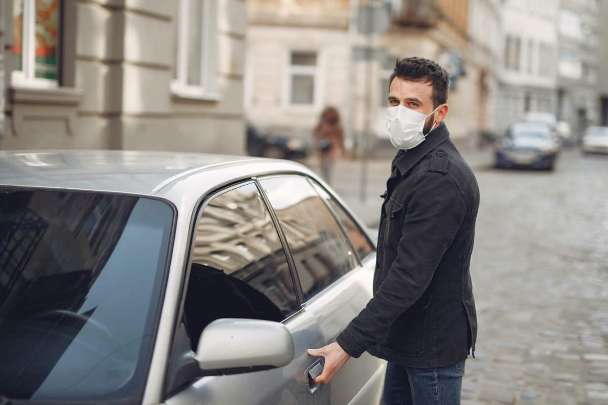 Consejos para conducir en primavera si tienes alergia