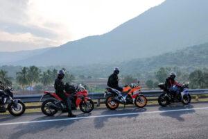 Cómo equiparte si conduces una moto
